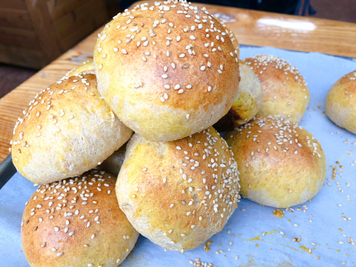 100% Whole Wheat Hamburger Buns